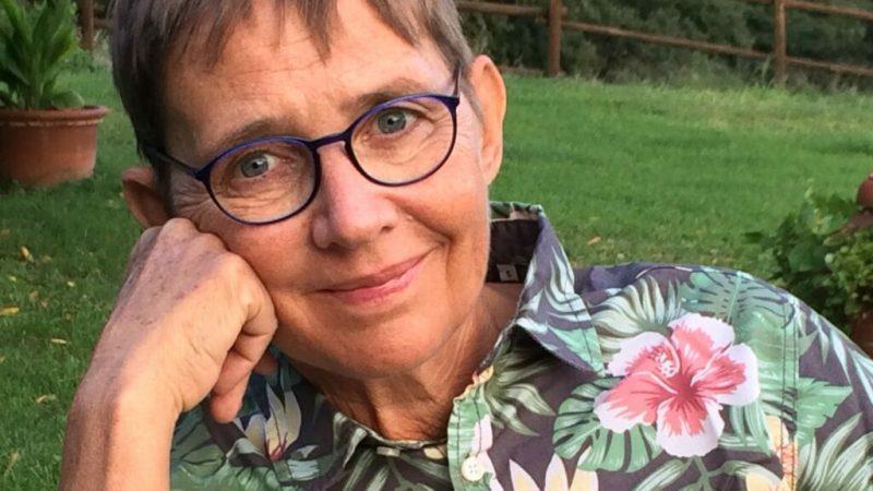 """Susanna Tamaro: """"Chi ci governa pensa a noi italiani come a un popolo di poveri dementi"""""""