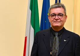 Calabria: Superiori in DAD fino al 31 gennaio, medie e primaria fino al 15